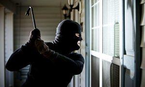 cách ứng phó khi trộm vào nhà