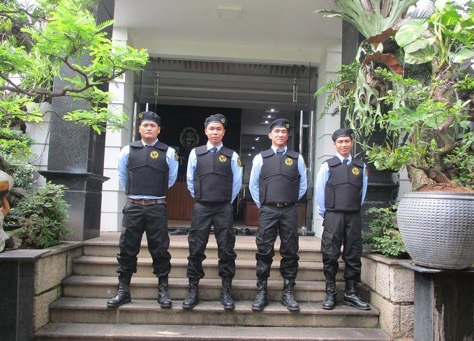 tác phong của nhân viên bảo vệ